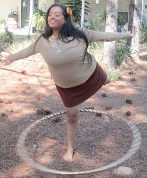 Ana Hoop in Beckons Love Yoga Slort