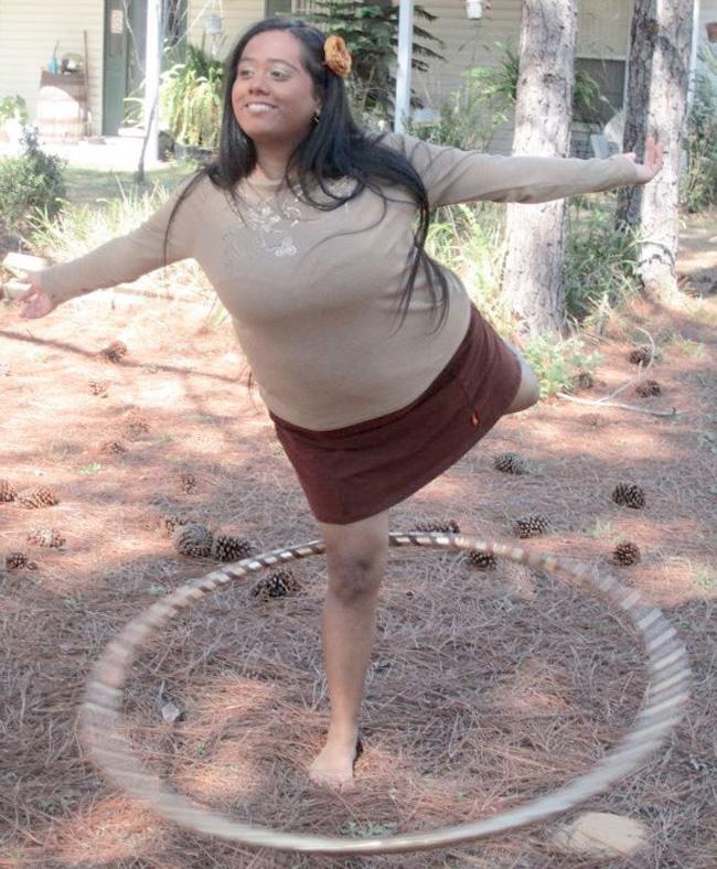 Ana Hoop in Beckons Love Yoga Slort